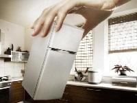Перевернуть холодильник с ног на голову
